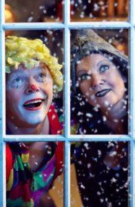 Lørdagsbarn: Heksagon og julestria, første forestilling